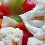 Nakladaná trojfarebná zelenina