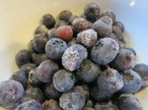 Mrazenie čučoriedok nám zabezpečí príjem vitamínu C aj v zimnom obddobí.