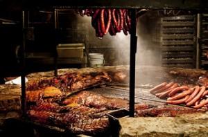 údenie mäsa  môžeme robiť horúcim alebo studeným dymom